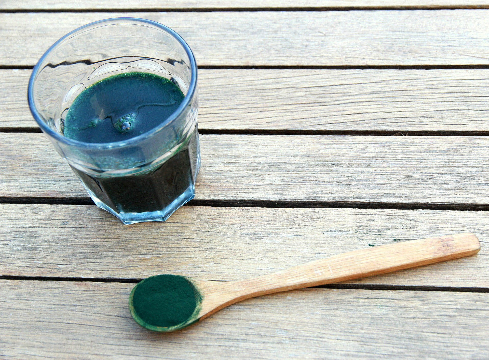 Alga spirulina proprietà, benefici e controindicazioni